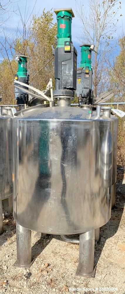 Used-Tank, Approximately 200 Gallon, Stainless steel with Agitator