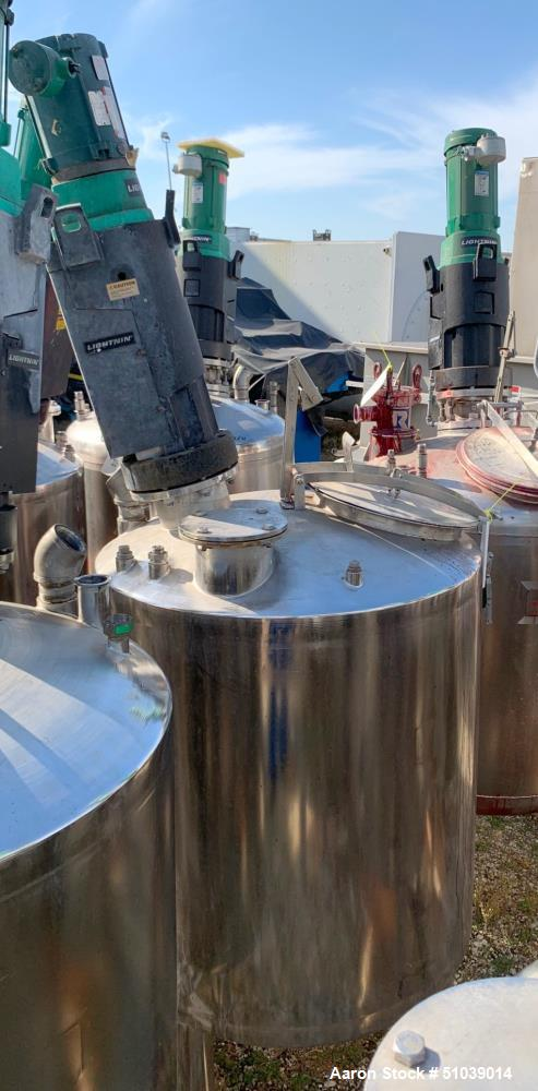 Used-Tank, Approximately 100 Gallon, Stainless steel with Agitator