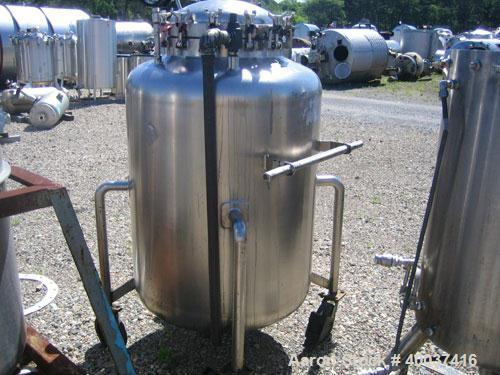 Used- Walker Stainless Pressure Tank, 150 gallon, 316 L stainless steel, vertical. 34'' diameter x 39'' straight side, dishe...