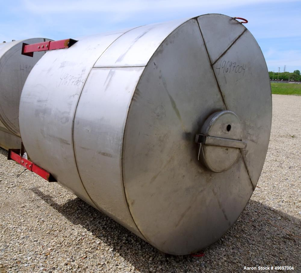 Used- Tank, Approximate 1500 Gallon, Stainless Steel, Vertical.