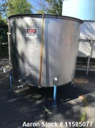 Used-1000 Gallon (approximately) Vertical Stainless Steel Tank