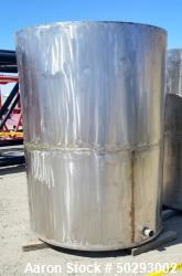 Used- Tank, Approximately 1,100 Gallon, Stainless steel.