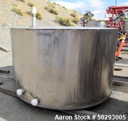Used- Tank, Approximate 1,000 Gallon, Stainless Steel.