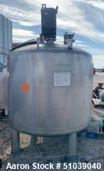 Used-Tank, Approximately 1500 Gallon, Stainless steel with Agitator