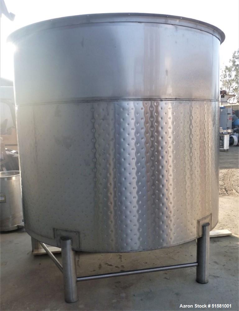 Stainless Steel 1,835 Gallon Tank