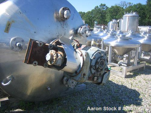 Used- Walker Stainless Pressure Tank, 3000 Gallon, 316 Stainless Steel, Vertical. Approximate 72'' diameter x 166'' straight...