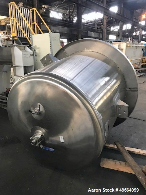 """Used- Lee Industries Mix Tank, 525 Gallon, Model 525 DBT, 316L Stainless Steel. Approximately 54"""" diameter x 51"""" straight si..."""