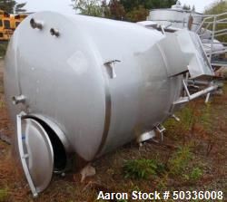 Used- Cherry Burrell Tank, Approximately 1,000 Gallon, Model CV, Stainless Steel, Vertical. Dish top, dish bottom. Bottom si...
