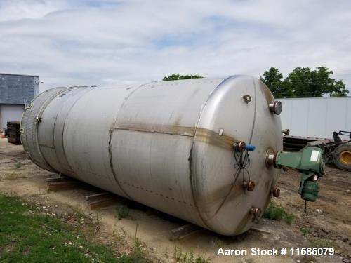 Used-16000 Gallon (approximately) Vertical T304 Stainless Steel Mix Tank