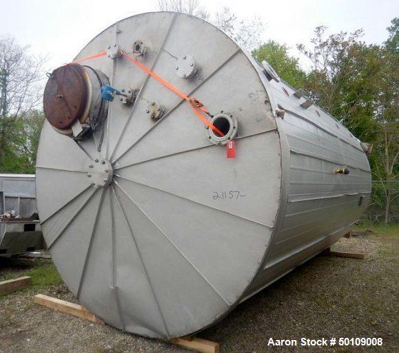 Used- Walker Storage Tank, 10,000 Gallon, 304 Stainless Steel,
