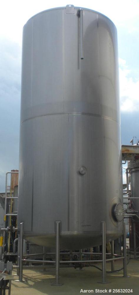 Used- Walker Storage Tank, Model SS, 21,000 gallon, 304L stainless steel, vertical. Approximate 12' diameter x 24' straight ...